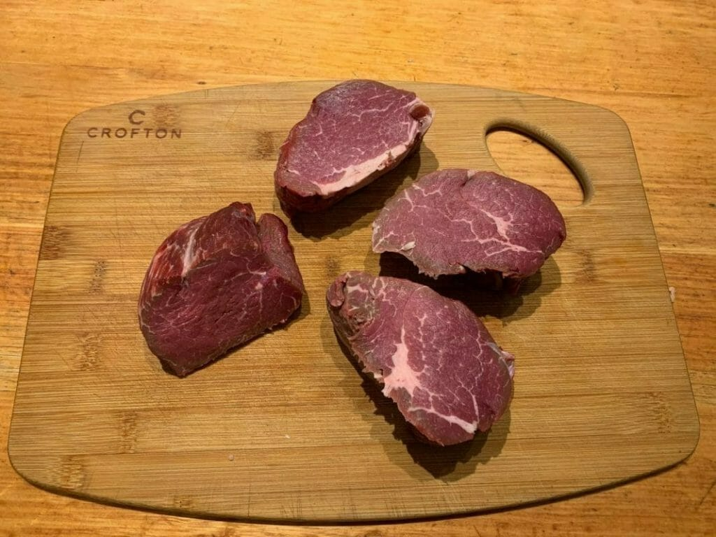 how to cook round steak on cutting board