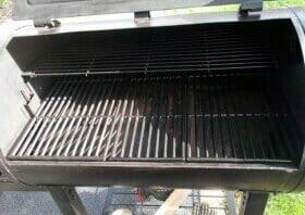 inside of pit boss 820 pellet grill